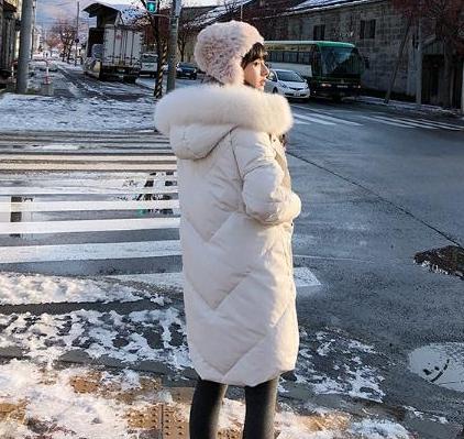 白鹅绒羽绒服价格一般是多少钱 白鹅绒羽绒服产地促销价格
