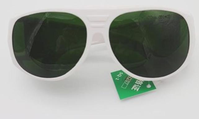 激光防护眼镜生产厂家 激光防护眼镜批发价格