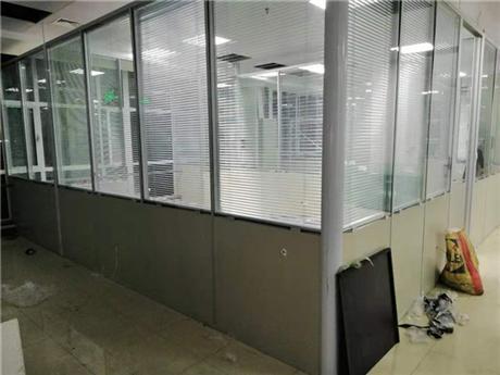 实验室隔墙材料规格 实验室隔墙材料造价