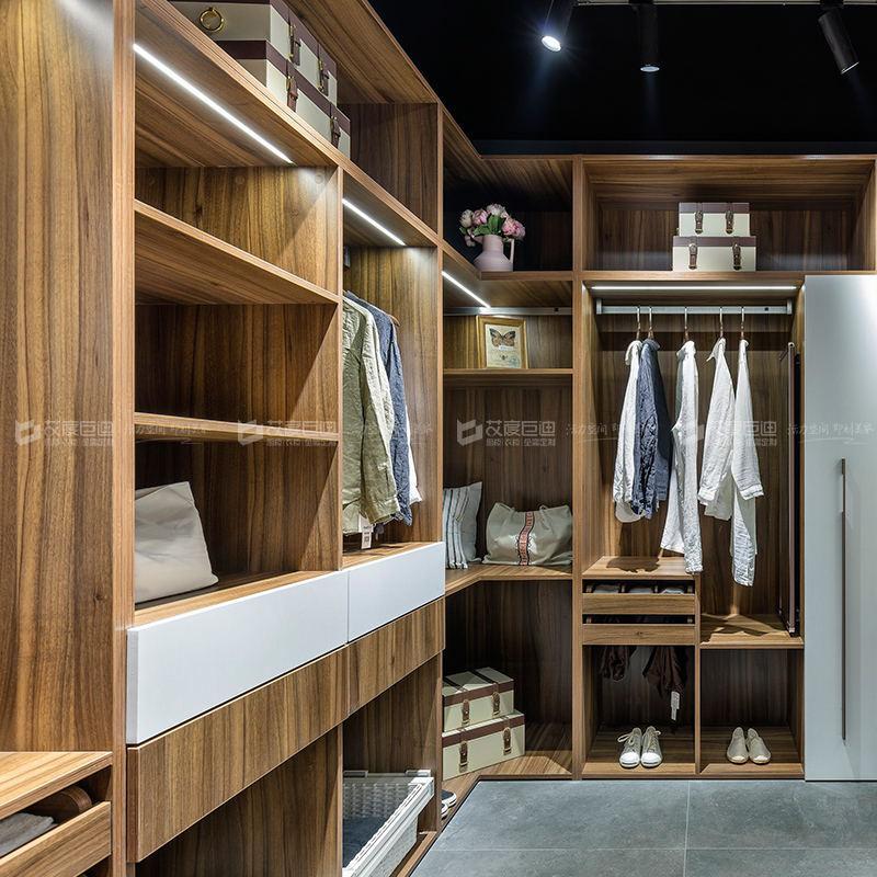整体衣柜定制十大名牌 整体衣柜定制一般需要多少钱一米