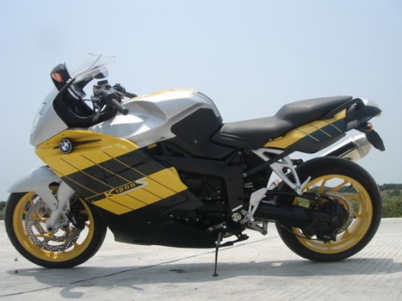 二手宝马k1200s摩托车报价 二手宝马k1200s摩托车厂家