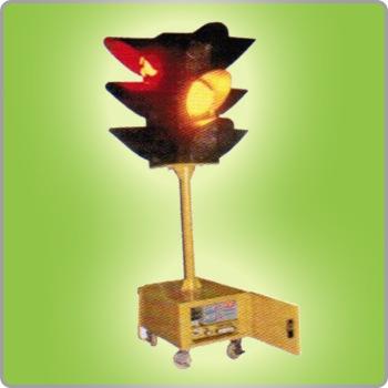移动式交通信号灯多少钱 移动式交通信号灯厂家直销