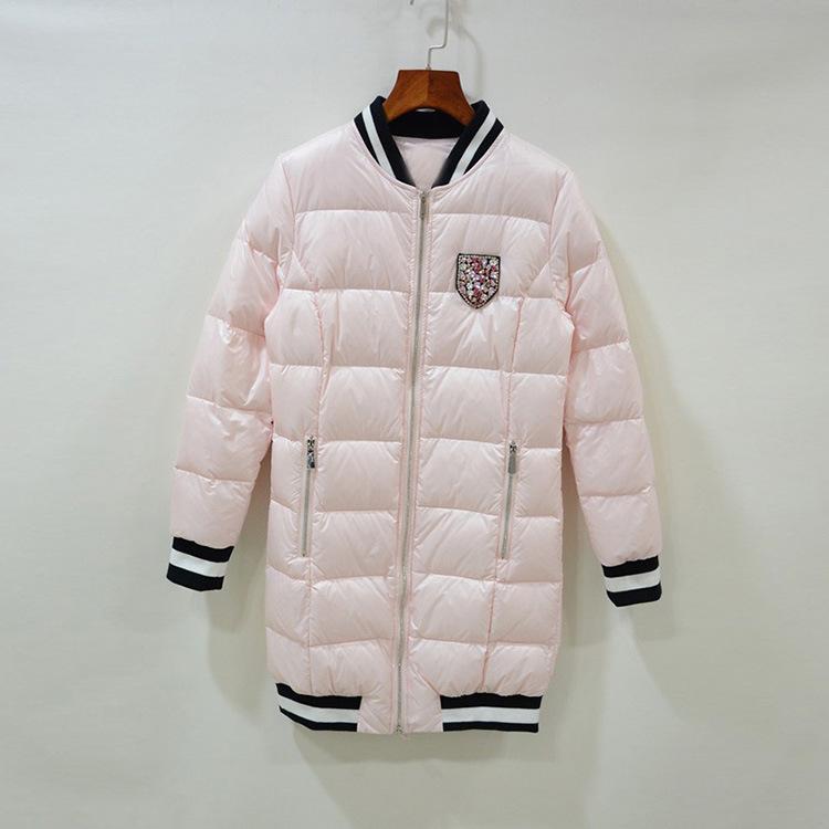 2016年冬季新款女装钉钻盾牌勋章白鹅绒羽绒服中长款棒球领外套